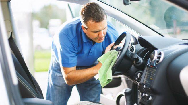 Cómo limpiar el coche para reducir el riesgo de coronavirus